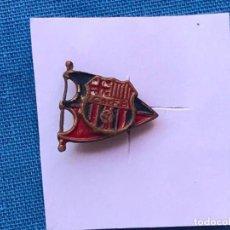 Coleccionismo deportivo: CURIOSO PIN DEL BARCELONA - INSIGNIA DE HOJAL. Lote 91410940