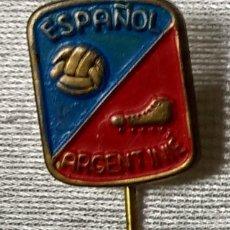 Coleccionismo deportivo: INSIGNIA ANTIGUA DE FUTBOL .AGUJA DEL ESPAÑOL ARGENTINIÉ . INSIGNIA DE PAISES BAJOS . RARA .. Lote 91839390