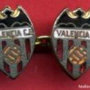 Coleccionismo deportivo: PIN FUTBOL , VALENCIA CF , GEMELOS , ANTIGUOS , ORIGINAL , P10. Lote 91934820