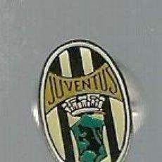 Coleccionismo deportivo: PIN DE LA JUVENTUS DE TURIN - ENGANCHE TIPO MARIPOSA . Lote 93645945