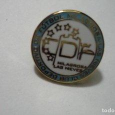 Coleccionismo deportivo: PIN FUTBOL CD MILAGROSA LAS NIEVES. Lote 95941887