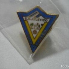 Coleccionismo deportivo: PIN FUTBOL CD AT.VILLA BLANCA. Lote 95956375