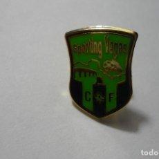 Coleccionismo deportivo: PIN FUTBOL SPORTING VEGAS CF. Lote 95956559
