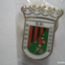 Coleccionismo deportivo: PÌN FUTBOL BARRIO ZURGUEN CD. Lote 95956635