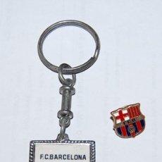 Coleccionismo deportivo: PIN Y LLAVERO VINTAGE F.C. BARCELONA. Lote 97976363