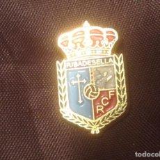 Colecionismo desportivo: PIN SIN AGUJA R.C.F. RIBADESELLA. Lote 98866507