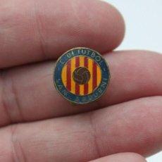 Coleccionismo deportivo: INSIGNIA PIN CLUB DE FUTBOL SAN SADURNI. Lote 99380343