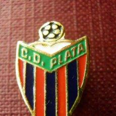 Coleccionismo deportivo: INSIGNIA SUJECCION MEDIANTE IMPERDIBLE - C.D. PLATA - ANTIGUO CLUB DE FUTBOL DE MADRID. Lote 99381671