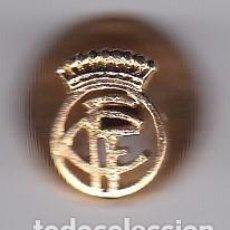 Coleccionismo deportivo: ANTIGUO PIN DE AGUJA DEL EQUIPO DE LA FEDERACION CATALANA DE FUTBOL (FOOTBALL). Lote 99978207