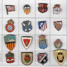 Coleccionismo deportivo: PINS EQUIPOS DE FUTBOL (LOTE 32 PINS). Lote 100760971