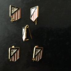 Coleccionismo deportivo: LOTE 5 PINS AT.MADRID AÑOS 70. Lote 103177560