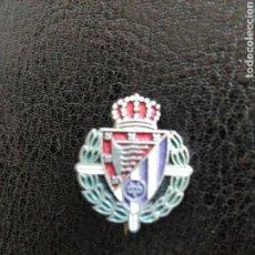 Coleccionismo deportivo: PIN TIPO INSIGNIA AGUJA REAL VALLADOLID. Lote 103747895