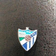 Coleccionismo deportivo: PIN TIPO INSIGNIA IMPERDIBLE MALAGA CLUB FUTBOL. Lote 103748024