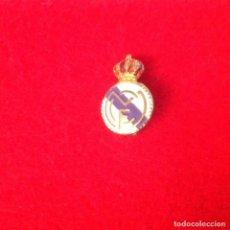 Coleccionismo deportivo: ANTIGUA INSIGNIA DE AGUJA, DEL REAL MADRID, VER FOTO.. Lote 104611771