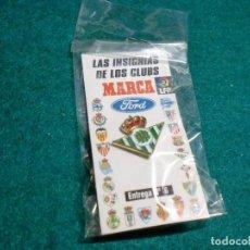Coleccionismo deportivo: REVISTA MARCA - EN SU ESTUCHE ORIGINAL SIN ABRIR- PIN BETIS. Lote 105221659