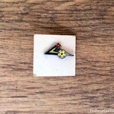 Coleccionismo deportivo: PIN ESCUDO - EQUIPO FUTBOL . Lote 107607511