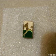 Coleccionismo deportivo: PIN DE FÚTBOL. Lote 107855146