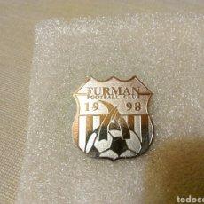 Coleccionismo deportivo: PIN FURMAN FOOTBALL CLUB 1998 98 FÚTBOL. Lote 107856270