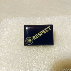 Coleccionismo deportivo: PIN UEFA RESPECT. Lote 107857415