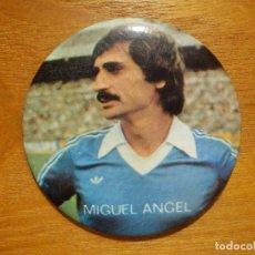 Coleccionismo deportivo: CHAPA - MIGUEL ANGEL - REAL MADRID - 5,5 CM. DE DIÁMETRO - PUBLICHAP, S.A. -. Lote 120415470