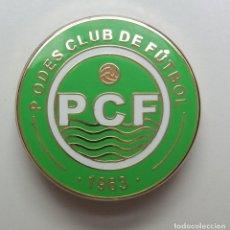 Coleccionismo deportivo: PIN OFICIAL DEL PODES C.F. – FÚTBOL DE ASTURIAS - GOZÓN. Lote 269147933
