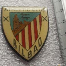 Coleccionismo deportivo: ATHLETIC CLUB BILBAO PIN ESCUDO GRANDE . Lote 145950472