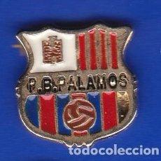 Coleccionismo deportivo: PIN FUTBOL CLUB BARCELONA DE LA PEÑA BARCELONISTA DE PALAMOS (FOOTBALL) BARÇA. Lote 110358683