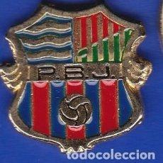 Coleccionismo deportivo: PIN FUTBOL CLUB BARCELONA DE LA PEÑA BARCELONISTA P.B.J. (FOOTBALL) BARÇA. Lote 110360571
