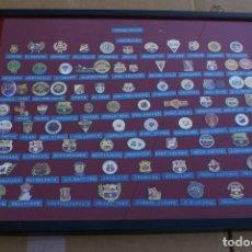 Coleccionismo deportivo: CUADRO CON 83 PINS DISTINTOS DE PEÑAS DEL FUTBOL CLUB BARCELONA (FOOTBALL) BARÇA. Lote 110365971