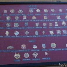Coleccionismo deportivo: CUADRO CON 49 PINS DISTINTOS DE PEÑAS DEL FUTBOL CLUB BARCELONA (FOOTBALL) BARÇA. Lote 110366379