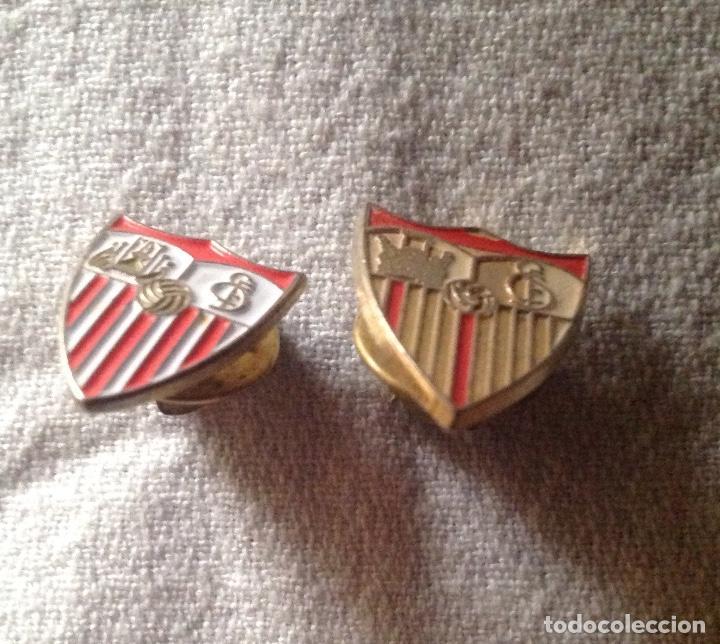 DOS PINS INSIGNIAS CF SEVILLA (Coleccionismo Deportivo - Pins de Deportes - Fútbol)