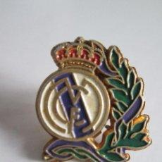 Coleccionismo deportivo: PIN REAL MADRID - 1,8 X 1,6. Lote 112259491