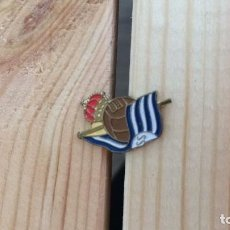 Coleccionismo deportivo: INSIGNIA PIN REAL SOCIEDAD C.F 80`S. Lote 112400443