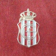 Coleccionismo deportivo: INSIGNIA GRANADA C.F.. Lote 114335887