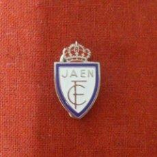 Coleccionismo deportivo: INSIGNIA JAÉN F.C.. Lote 114344003