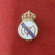 Coleccionismo deportivo: INSIGNIA REAL MADRID. Lote 114345499