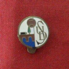 Coleccionismo deportivo: INSIGNIA U.D. SALAMANCA. Lote 114347507