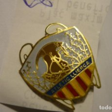 Coleccionismo deportivo: PIN ATLETIC LLIERCA. Lote 114460591