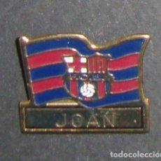 Coleccionismo deportivo: (TC-114-10) PIN F. C. BARCELONA BARÇA BANDERA ESCUDO JOAN. Lote 114969451