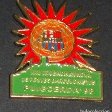Coleccionismo deportivo: (TC-114-10) PIN F. C. BARCELONA BARÇA XXII TROBADA MUNDIAL DE PENYES BARCELONISTES PUIGCERDA 98 . Lote 115033711
