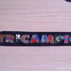 Coleccionismo deportivo: LOTE DE 9 PINS DEL BARCELONA. TRICAMPIO-TRICAMPEÓN. AÑO 1999. DIARIO SPORT. Lote 115425819