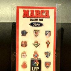 Coleccionismo deportivo: PIN COLECCION PINS ESCUDOS FUTBOL TEMPORADA 1999 2000 DIARIO MARCA. Lote 278942353