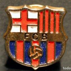 Coleccionismo deportivo: INSIGNIA PIN BARÇA ESCUDO FUTBOL CLUB BARCELONA. Lote 111537335
