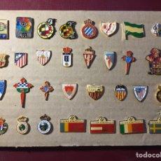 Coleccionismo deportivo: LOTE DE 31 PINS DE FÚTBOL .. Lote 122139028