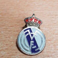 Coleccionismo deportivo: PIN ESCUDO REAL MADRID CF. Lote 139559884