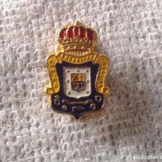 Coleccionismo deportivo: ANTIGUO PIN INSIGNIA SOLAPA OJAL UNIÓN DEPORTIVA LAS PALMAS. Lote 125332899