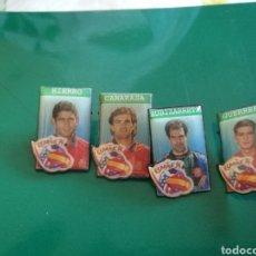 Coleccionismo deportivo: CUATRO PINS DEL MUNDIAL DE FÚTBOL 1994. SELECCIÓN ESPAÑOLA. HIERRO, CAMARASA, ZUBIZARRETA Y GUERRERO. Lote 127742228