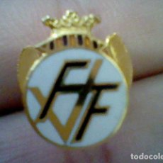 Coleccionismo deportivo: INSIGNIA OJAL FVF FEDERACION VALENCIANA FUTBOL ESMALTE . Lote 128130027