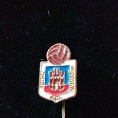 Coleccionismo deportivo: PINS ESCUDO FÚTBOL UNION DEPORTIVA ONIL. Lote 128444279
