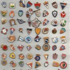 Coleccionismo deportivo: 87 PINS DE FUTBOL 2º Y 3º DIVISION. Lote 129088295
